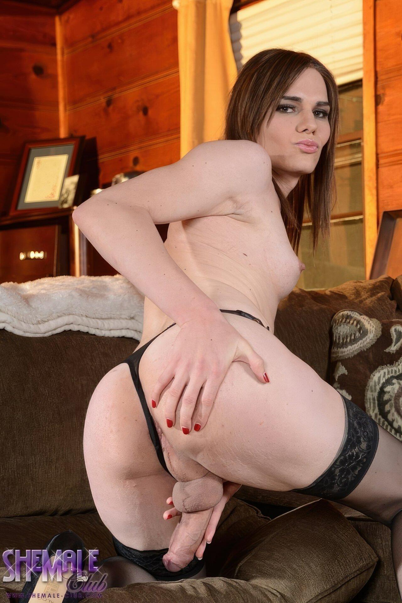 Miranda Meadows Shemale (24)