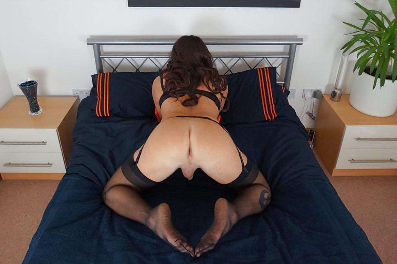 Travesti Masturbação Anal (2)