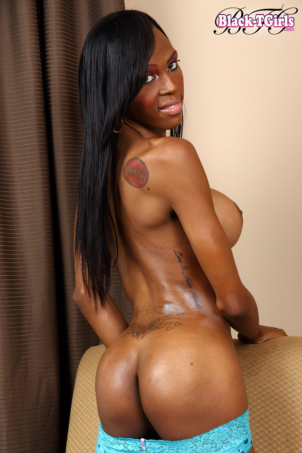 Black Shemale Heather Hung