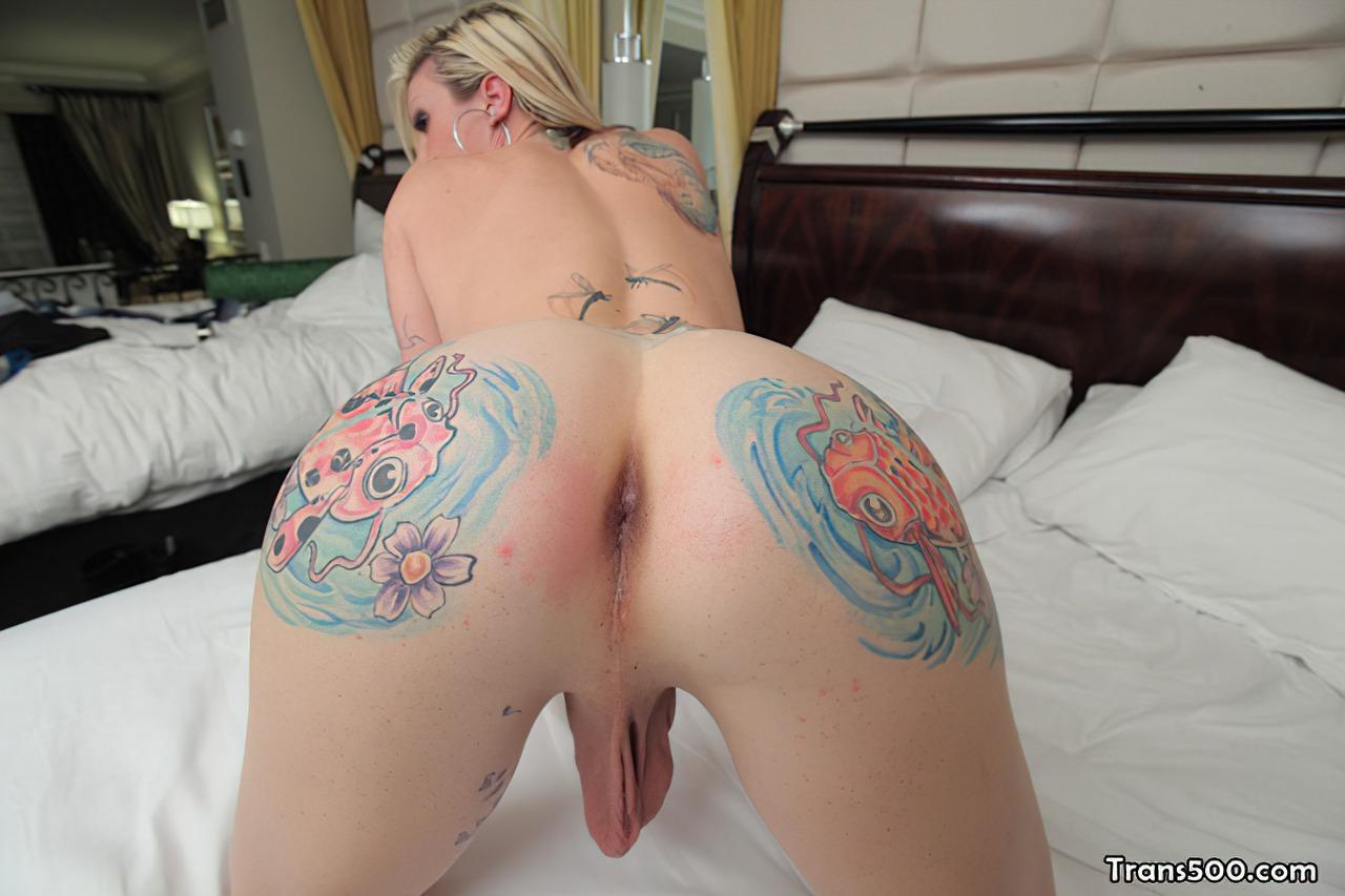 Bela Travesti com Tatuagens (5)