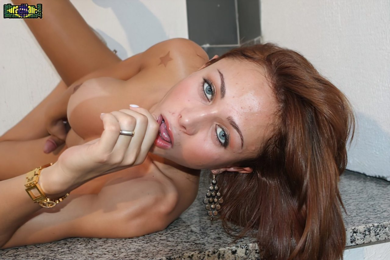 Travesti Paula Mello (56)