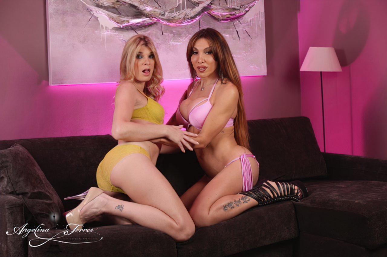 Angelina Torres & Eva Paradis (1)