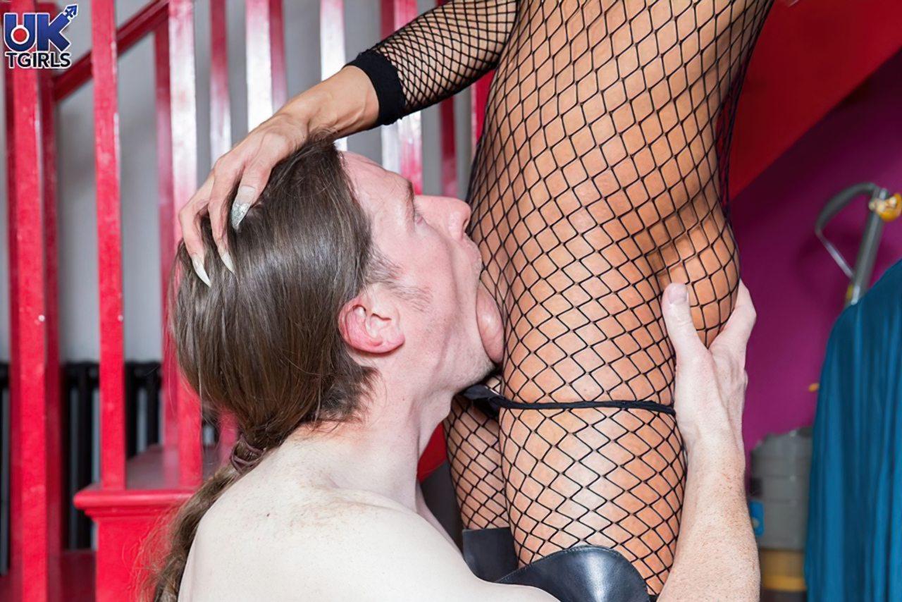 privado mistressmistress chupando bolas