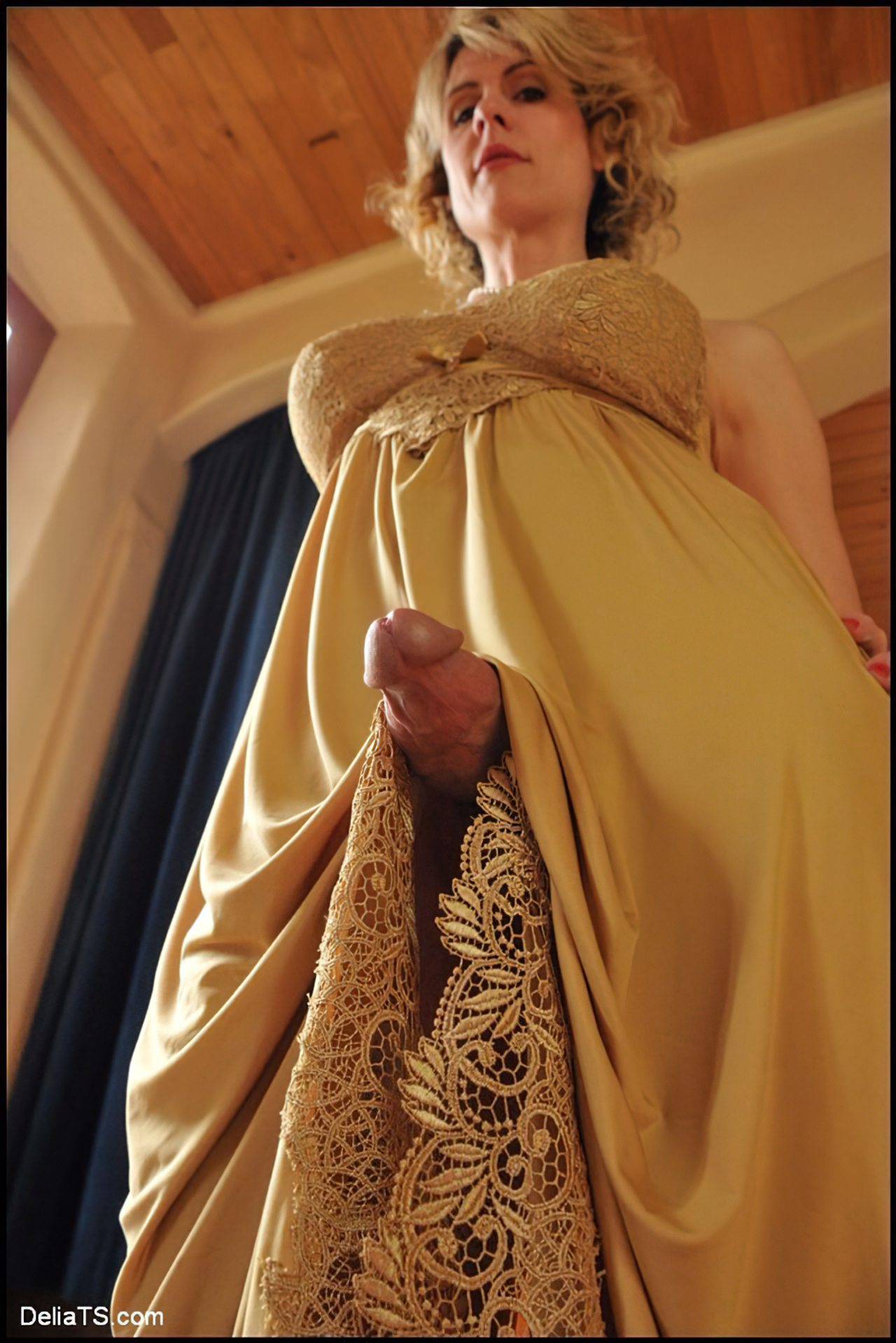 Travesti Tesao Baixo Vestido (2)