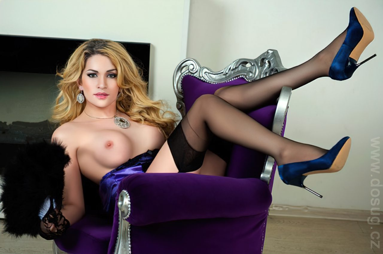 Travesti Europeia Linda (1)