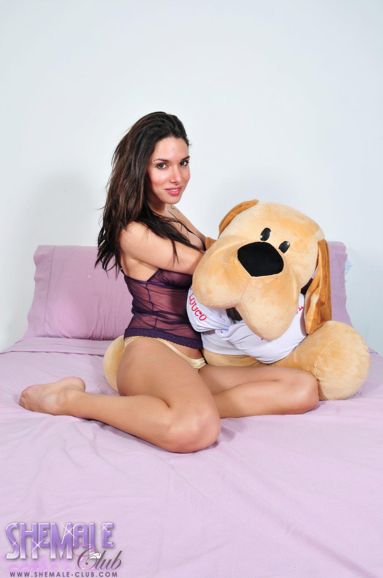 Bianca Freire Boneco de Pelucia (1)