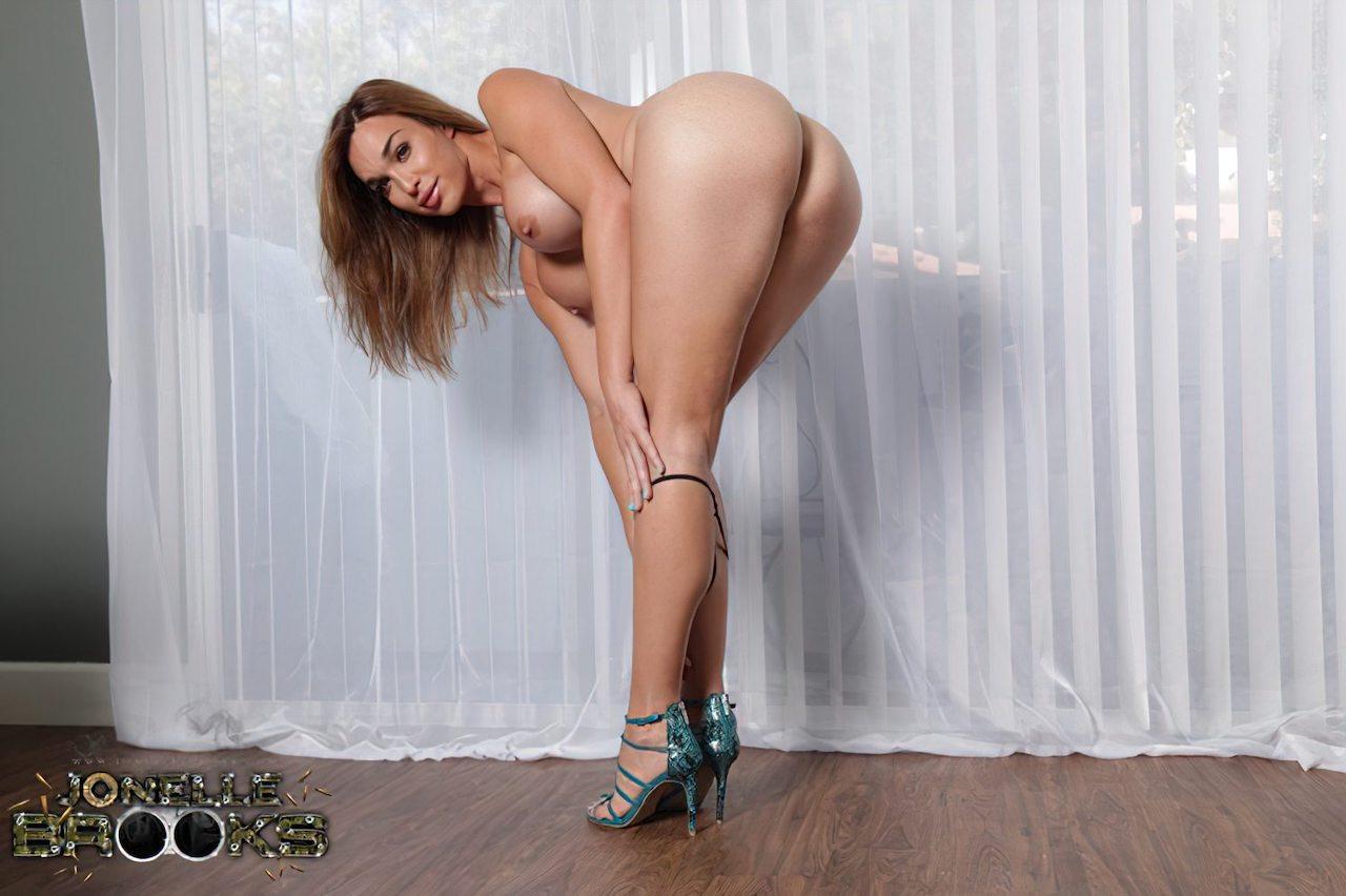 Transexual Linda Nua (2)