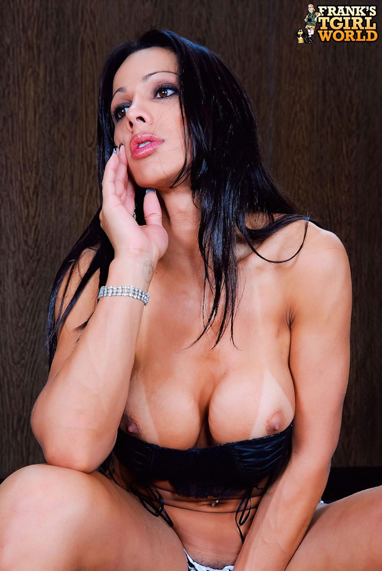 Nicolly Navarro Despida (3)