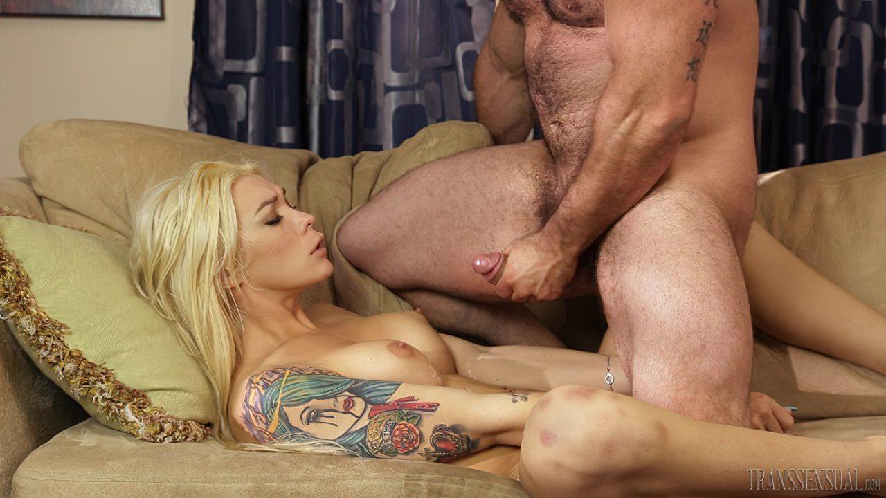 Barbudo Comendo Princesa Transexual (9)