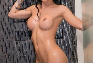 Domino Presley Tomando Banho (4)
