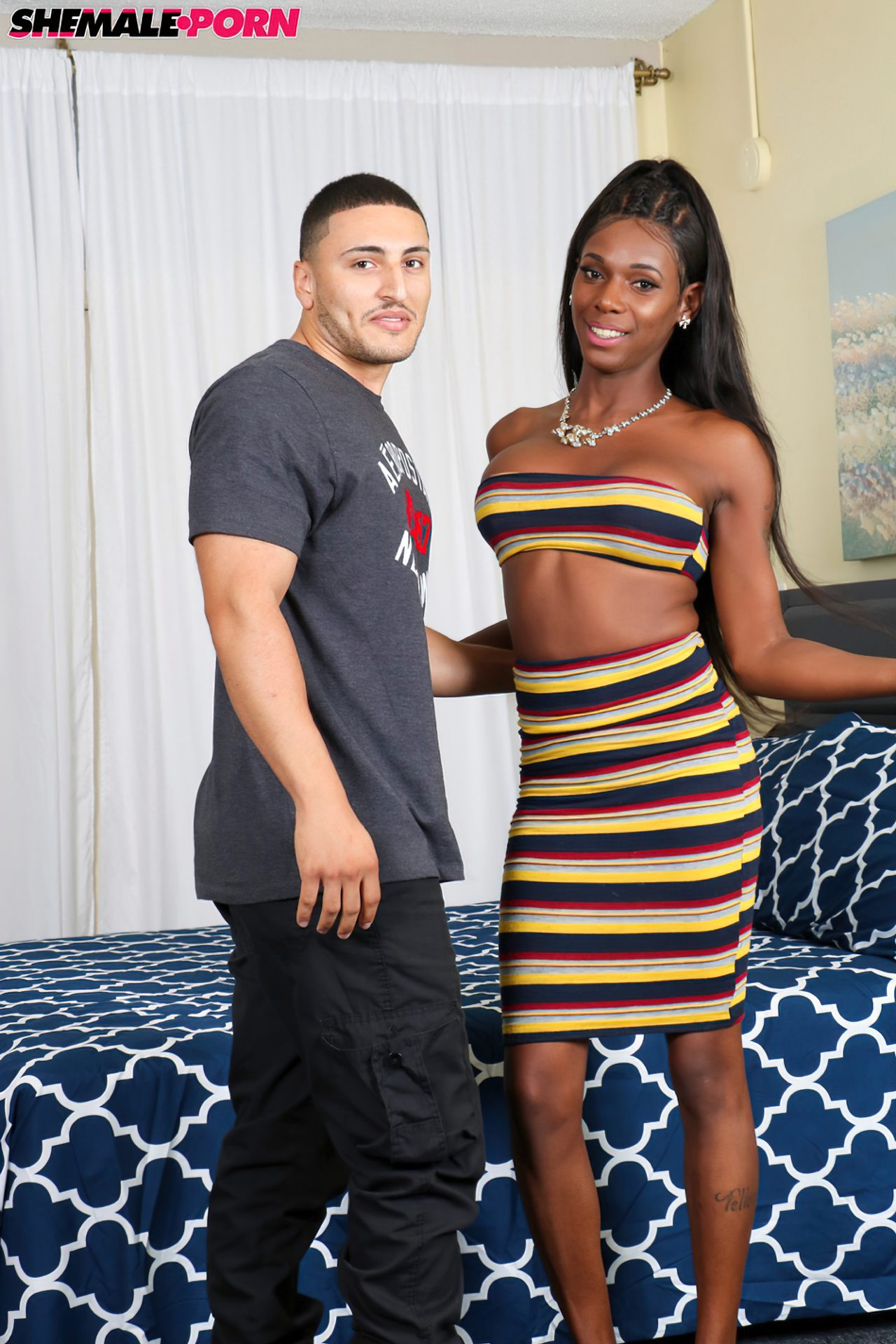 Levando Travesti Negra Elegante Orgasmo (1)