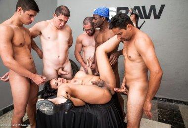Transex Fazendo Sexo Gangbang (11)