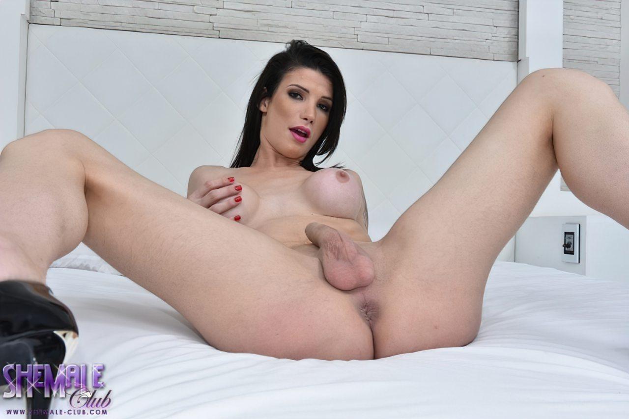 Victoria Carvalho na Cama (13)