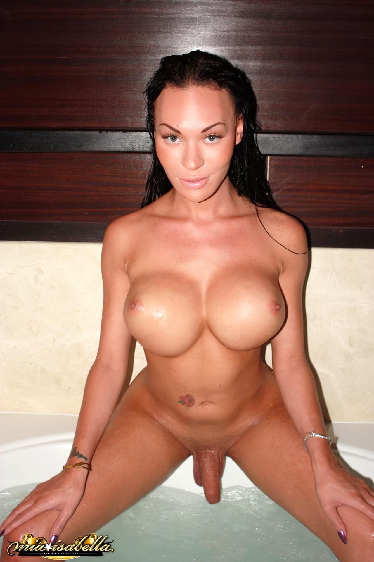 Mia Isabella (28)