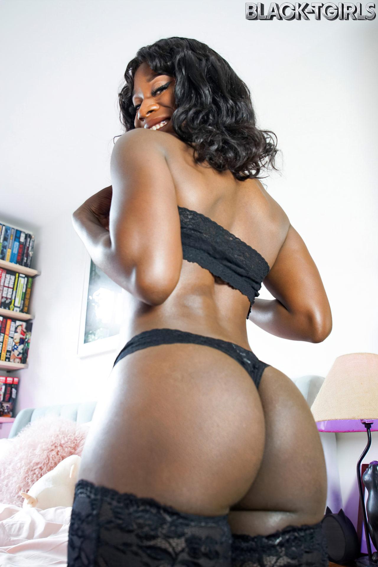 Travesti Negra (2)