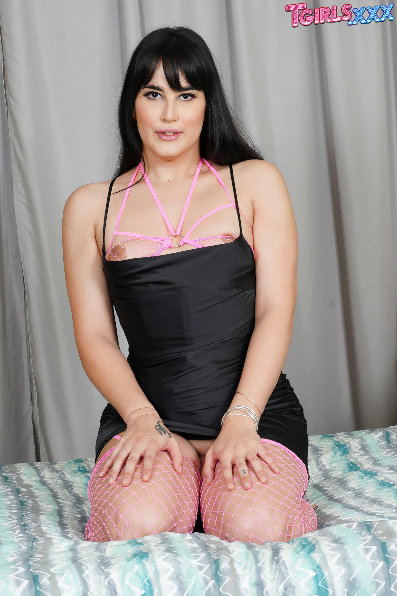 Mia Bellamy Trans Passiva (2)