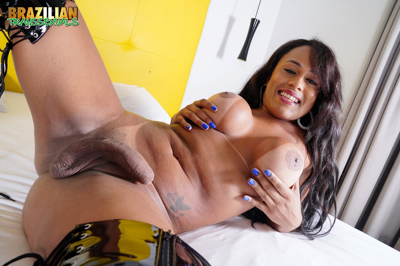 Mariana Rios Pelada (11)