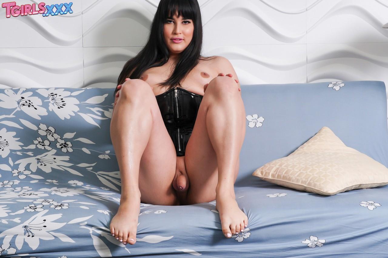 Mia Bellamy (3)
