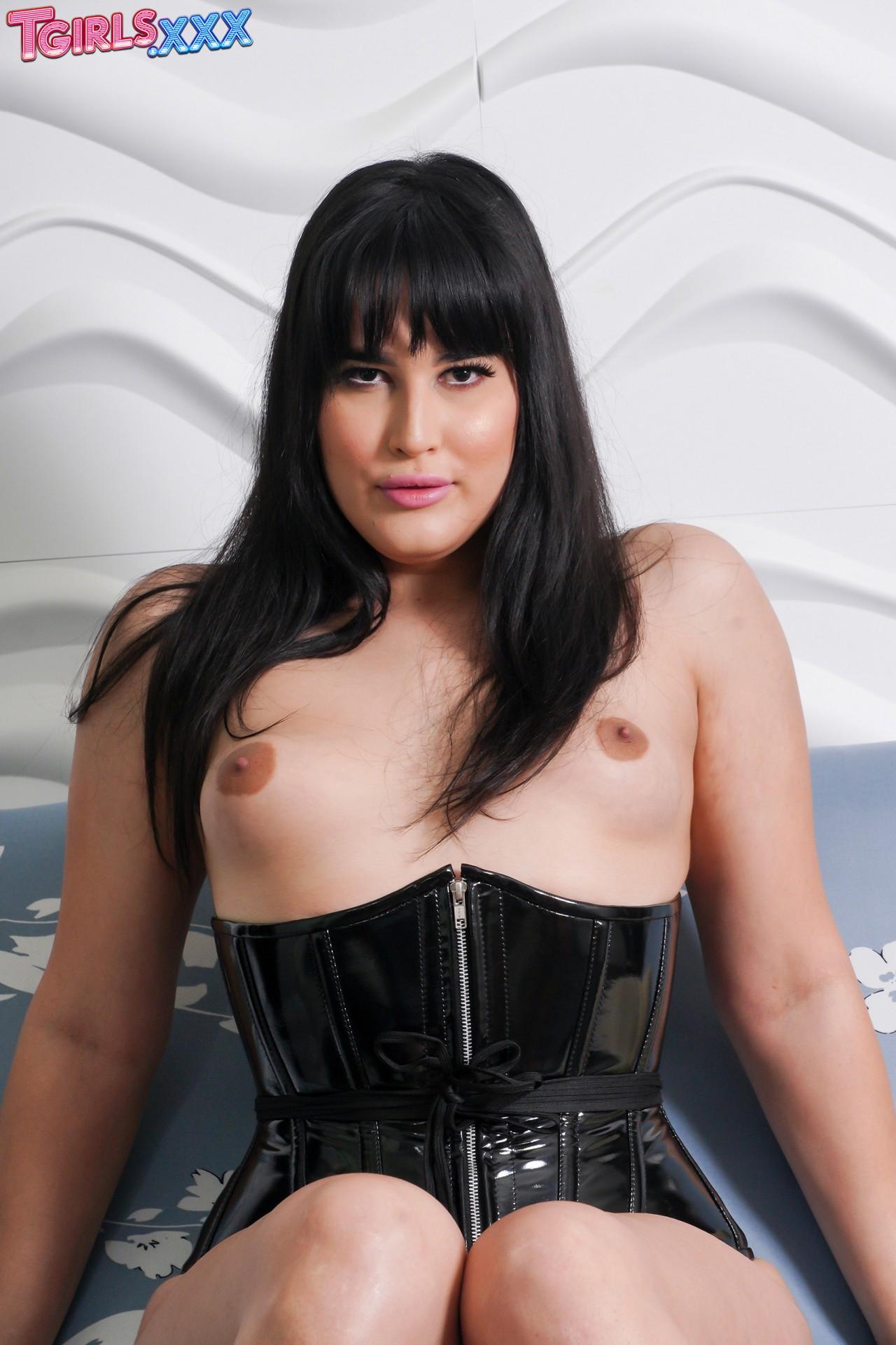Mia Bellamy (4)
