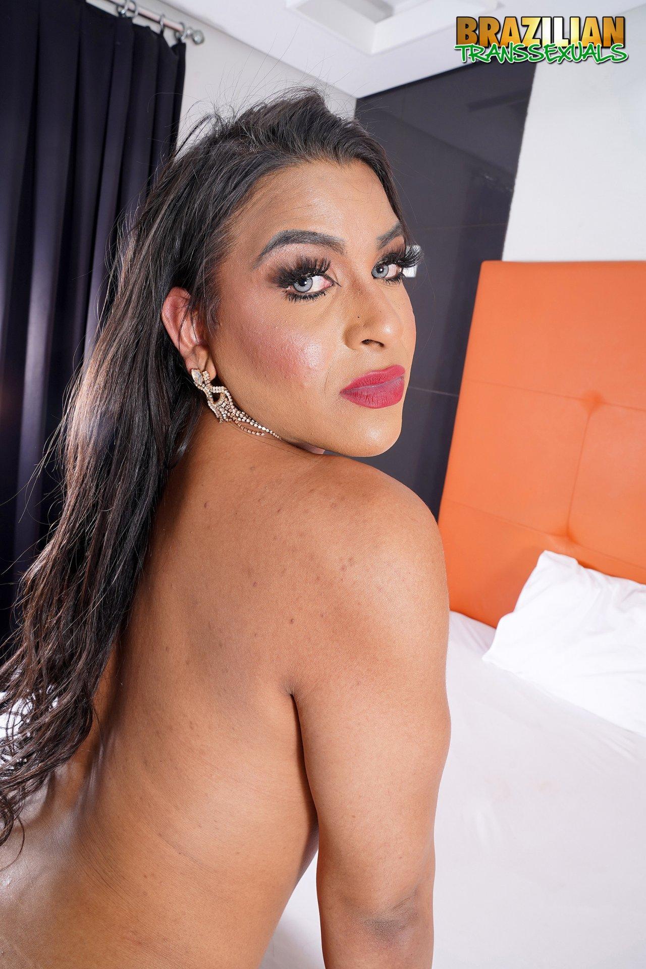 Lunna Victoria Gozando (3)